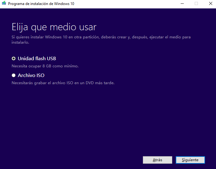Seleccionar unidad flash USB en Media Creation Tool