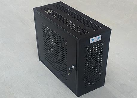 Caja de hierro con cerradura
